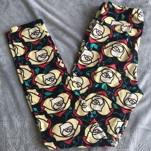 Lularoe ROSES 🌹 *tween leggings super soft! 00-2